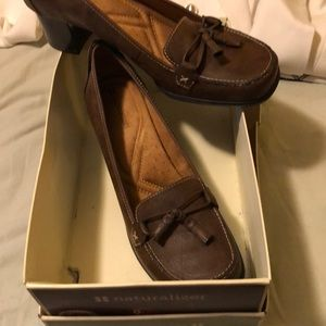 Brand new Naturalizer brown leather shoes size 9.5